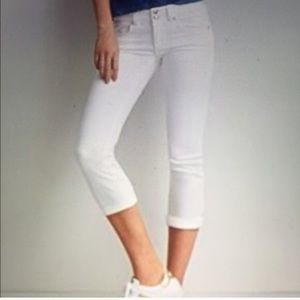 American Eagle white artist crop super stretch sz4